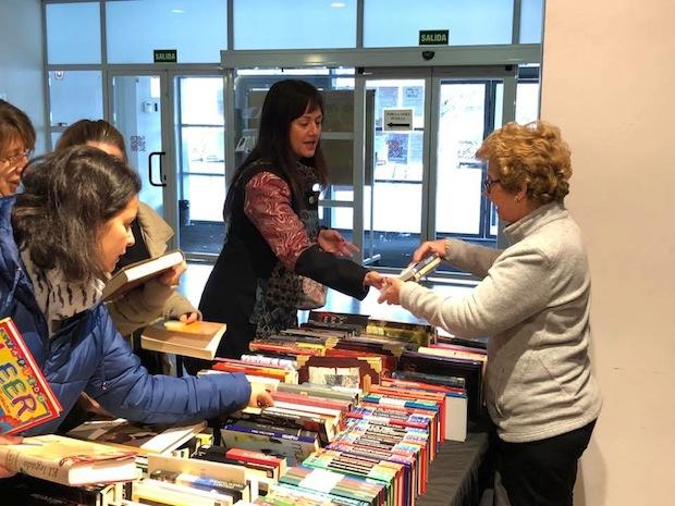 Mercadillo solidario de libros en Azuqueca (Guadalajara)