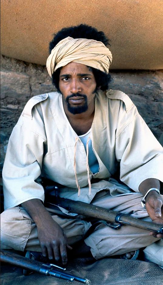 Carta de los escritores saharauis en el exilio, adhesión a la lucha de liberación nacional bajo la dirección del Frente Polisario y el gobierno de la República Saharaui.